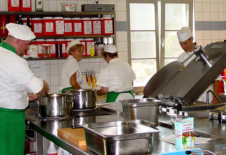 Salus-Service_Catering02.jpg